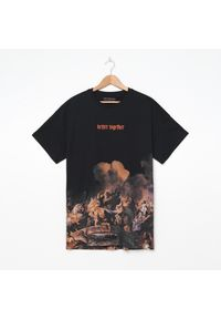 Czarny t-shirt House z haftami
