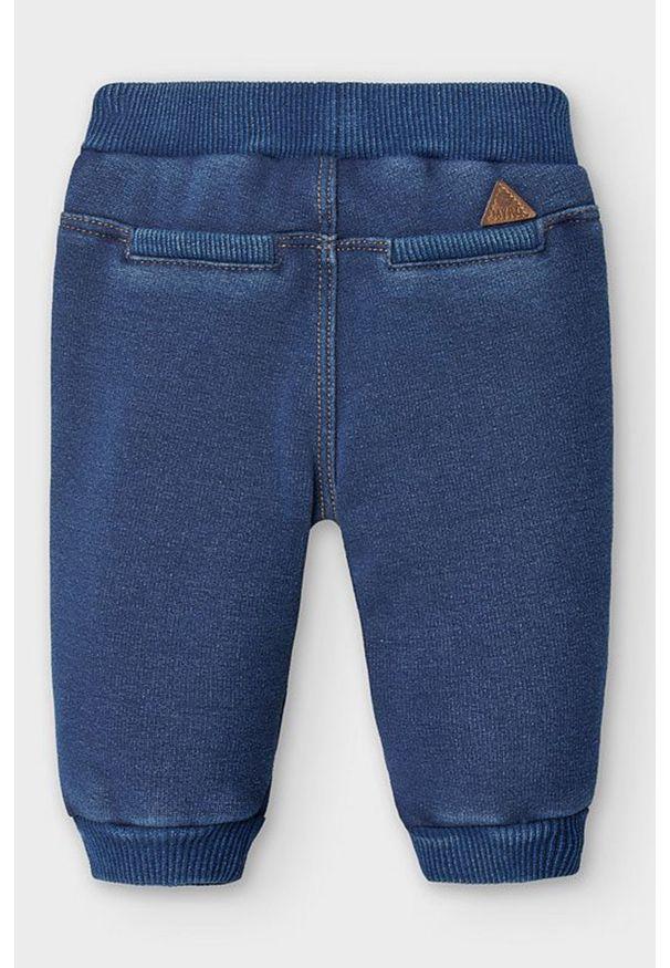 Niebieskie spodnie dresowe Mayoral Newborn na co dzień