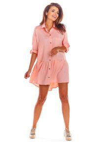 Awama - Pudrowa Luźna Koszulowa Sukienka z Falbanką. Materiał: wiskoza, elastan. Typ sukienki: koszulowe