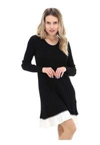 TwinSet - Dzianinowa dwukolorowa sukienka Twinset. Kolor: czarny. Materiał: dzianina. Długość rękawa: długi rękaw