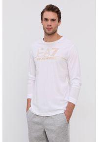 EA7 Emporio Armani - Longsleeve bawełniany. Okazja: na co dzień. Kolor: biały. Materiał: bawełna. Długość rękawa: długi rękaw. Wzór: gładki, nadruk. Styl: casual