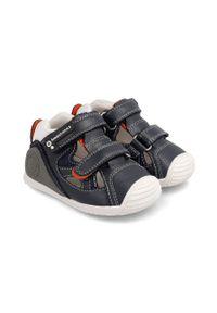 Czarne buty sportowe Biomecanics z okrągłym noskiem, na rzepy, z cholewką