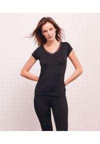 Warm Me Up T-Shirt Ozdobiony Koronką - S - Czarny - Etam. Kolor: czarny. Materiał: koronka. Długość: krótkie. Wzór: aplikacja, koronka