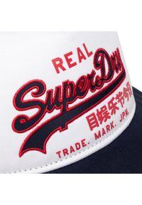 Superdry - Czapka z daszkiem SUPERDRY - Vintage Logo Trucker M9010007A White 04C. Kolor: niebieski. Materiał: materiał, bawełna. Styl: vintage #4