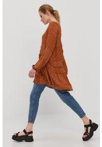 Jacqueline de Yong - Sukienka. Kolor: brązowy. Materiał: tkanina. Długość rękawa: raglanowy rękaw. Typ sukienki: rozkloszowane