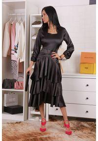Czarna długa sukienka IVET na co dzień, prosta, casualowa, z falbankami