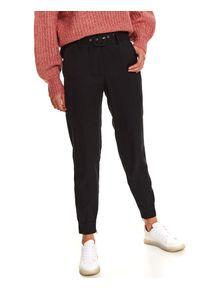TOP SECRET - Spodnie tkaninowe typu joggery. Kolor: czarny. Materiał: tkanina. Długość: długie. Sezon: zima