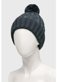 Niebieska czapka New Balance
