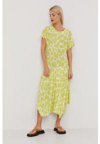 Bimba y Lola - BIMBA Y LOLA - Sukienka. Kolor: zielony. Materiał: dzianina. Długość rękawa: krótki rękaw. Typ sukienki: rozkloszowane