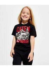 DSQUARED2 KIDS - Czarna koszulka z grafiką 4-12 lat. Kolor: czarny. Materiał: bawełna. Wzór: napisy, nadruk. Sezon: lato. Styl: klasyczny