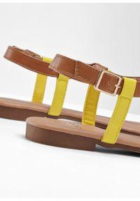 Brązowe sandały bonprix z paskami