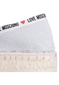 Srebrne półbuty Love Moschino na płaskiej podeszwie, z aplikacjami, z cholewką