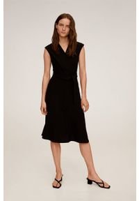 Czarna sukienka mango rozkloszowana, midi