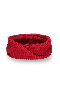 Czerwony szalik PaMaMi na zimę