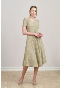 Marie Zélie - Sukienka Rosa Vacanza oliwkowa. Typ kołnierza: kokarda. Kolor: oliwkowy. Materiał: bawełna, wiskoza, skóra, materiał. Długość rękawa: krótki rękaw. Długość: midi
