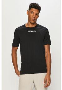 Czarny t-shirt Calvin Klein Performance na co dzień, casualowy, gładki