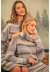 Fobya - Wełniany Komplet Sweter + Spódnica w Paski - Szary. Kolor: szary. Materiał: wełna. Wzór: paski