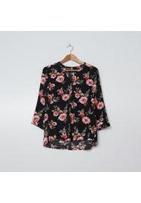 House - Wiskozowa bluzka w kwiaty - Wielobarwny. Materiał: wiskoza. Wzór: kwiaty