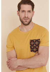 medicine - Medicine - T-shirt Basic. Kolor: żółty. Materiał: dzianina, bawełna. Wzór: nadruk #4