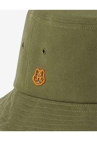 Kenzo - KENZO - Bawełniany kapelusz Tiger Crest. Kolor: zielony. Materiał: bawełna. Wzór: aplikacja. Sezon: lato. Styl: retro