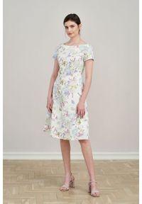 Marie Zélie - Sukienka Asteria Paeonia lilakowa. Materiał: bawełna, materiał, elastan. Wzór: gładki. Typ sukienki: trapezowe. Styl: klasyczny