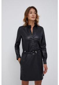 Calvin Klein - Sukienka. Okazja: na co dzień. Kolor: czarny. Materiał: skóra. Długość rękawa: długi rękaw. Typ sukienki: proste. Styl: casual