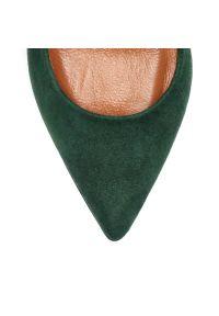Zielone czółenka Arturo Vicci ze szpiczastym noskiem, na spotkanie biznesowe