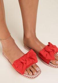 Renee - Czerwone Klapki Jynney. Kolor: czerwony. Materiał: guma. Obcas: na platformie