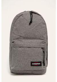 Szary plecak Eastpak w paski
