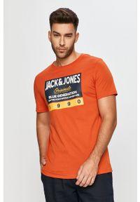 Brązowy t-shirt Jack & Jones z nadrukiem, z okrągłym kołnierzem