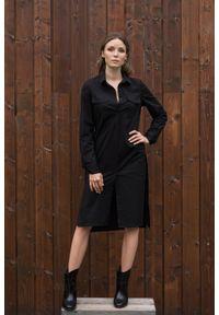 Czarna sukienka VEVA z długim rękawem, szmizjerki, w kolorowe wzory, klasyczna