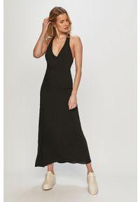 Czarna sukienka Silvian Heach na ramiączkach, midi, casualowa