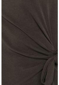 Czarna bluzka only z okrągłym kołnierzem, casualowa, długa