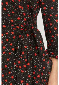 Czarna sukienka Answear Lab mini, wakacyjna, prosta