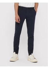Only & Sons - ONLY & SONS Spodnie materiałowe Mark 22015833 Granatowy Tapered Fit. Kolor: niebieski. Materiał: materiał