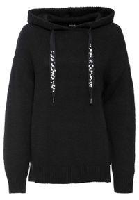Sweter z kapturem bonprix czarny. Typ kołnierza: kaptur. Kolor: czarny. Długość rękawa: długi rękaw. Długość: długie