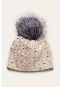 Złota czapka Jamiks