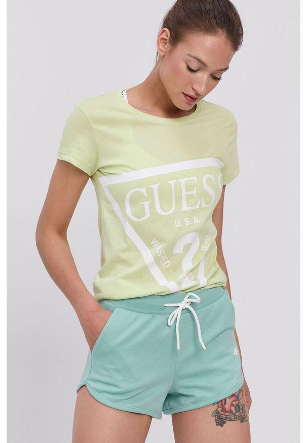 Guess - T-shirt. Okazja: na co dzień. Kolor: wielokolorowy, zielony, żółty. Materiał: dzianina, bawełna. Wzór: nadruk. Styl: casual