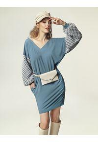 Madnezz - Sukienka Grace J. - brudny niebieski. Kolor: niebieski. Materiał: wiskoza, akryl, wełna, elastan, poliester. Typ sukienki: oversize
