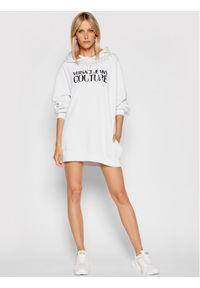 Versace Jeans Couture Sukienka dzianinowa Crystal 71HAIG03 Biały Boxy Fit. Typ kołnierza: kołnierzyk włoski. Kolor: biały. Materiał: dzianina