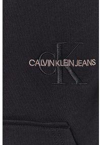 Calvin Klein Jeans - Bluza. Okazja: na co dzień. Typ kołnierza: kaptur. Kolor: czarny. Materiał: dzianina, bawełna, poliester. Styl: casual
