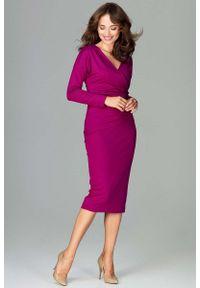 Katrus - Fuksja Stylowa Sukienka z Kopertowym Dekoltem. Kolor: różowy. Materiał: poliester, wiskoza, elastan. Typ sukienki: kopertowe. Styl: elegancki