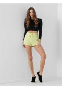 4f - Spodenki dresowe damskie. Kolor: zielony. Materiał: dresówka