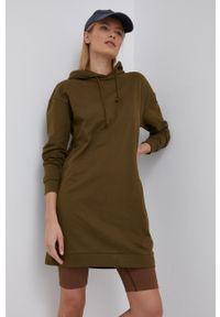 Vero Moda - Sukienka. Typ kołnierza: kaptur. Kolor: zielony. Materiał: dzianina, materiał. Długość rękawa: długi rękaw. Wzór: gładki