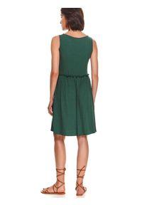 TOP SECRET - Sukienka z prążkowanej dzianiny. Kolor: zielony. Materiał: prążkowany, dzianina. Długość rękawa: na ramiączkach. Sezon: lato. Styl: wakacyjny, elegancki. Długość: midi
