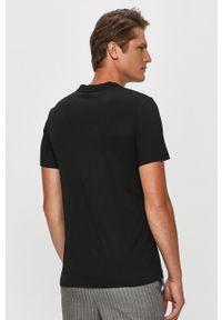 Czarny t-shirt Calvin Klein z okrągłym kołnierzem, na co dzień