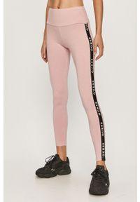 Różowe legginsy Guess z podwyższonym stanem, z nadrukiem