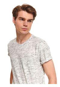 TOP SECRET - T-shirt z dzianiny melanżowej. Kolor: biały. Materiał: dzianina. Długość rękawa: krótki rękaw. Długość: krótkie. Wzór: melanż. Sezon: jesień. Styl: wakacyjny