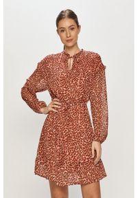 only - Only - Sukienka. Kolor: różowy. Materiał: tkanina. Typ sukienki: rozkloszowane