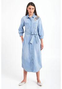 Twinset Milano - SUKIENKA ACTITUDE TWINSET. Materiał: jeans. Wzór: haft. Typ sukienki: koszulowe. Długość: midi